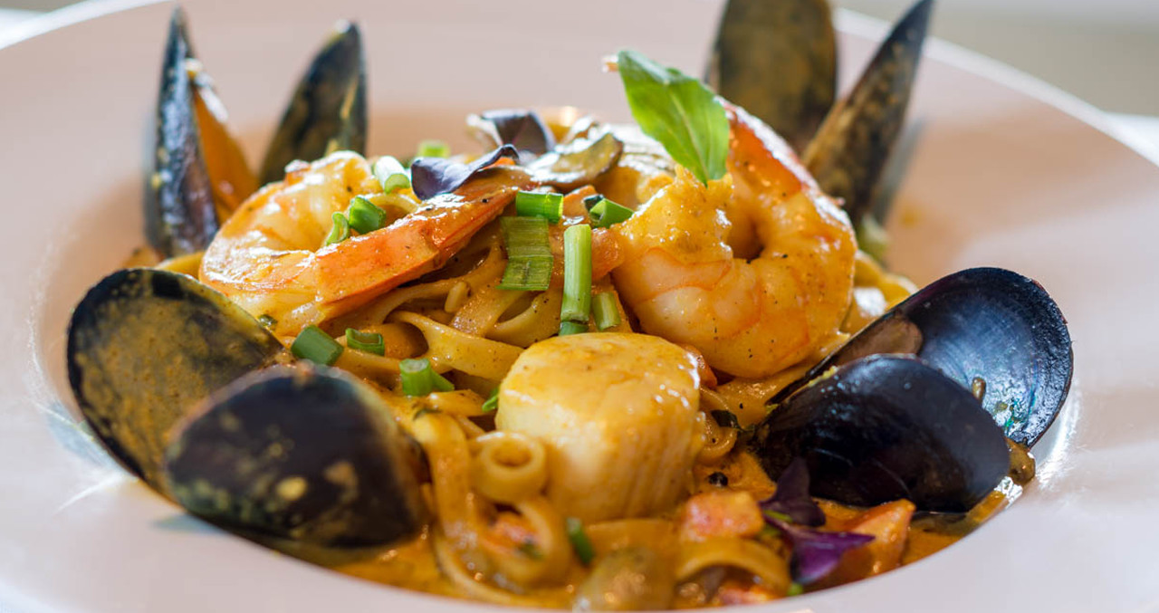 Fettuccini Seafood Curry